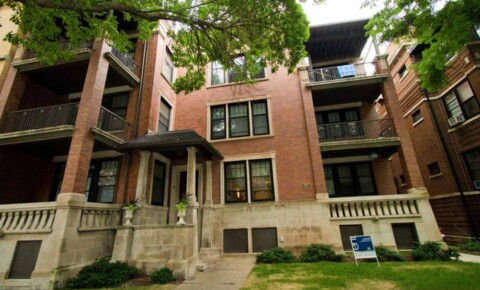 Apartments Near City Colleges of Chicago-Harold Washington College 5507-5509 S. Hyde Park Boulevard for City Colleges of Chicago-Harold Washington College Students in Chicago, IL