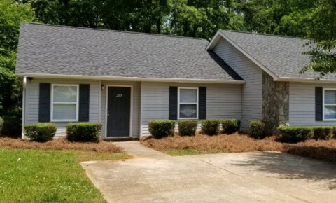Apartments Near Mitchell Community College  209 Isle of Pines Road for Mitchell Community College  Students in Statesville, NC