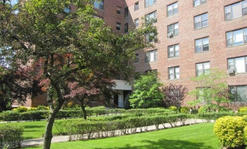 Houses Near Nyack Spacious 1 Br Corner Apt on 3rd Floor of Well Maintained Courtyard Elevator Building- New Rochelle for Nyack Students in Nyack, NY