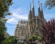 What To Do While Studying Abroad in Barcelona