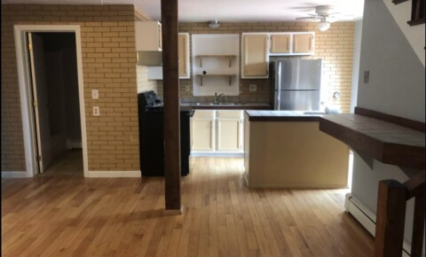 Sublets Near USM ISO Sublet: $625 Available 10/3 for University of Southern Maine Students in Portland, ME