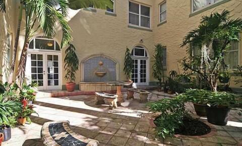 College Apartments in Miami Beach | College Student Apartments