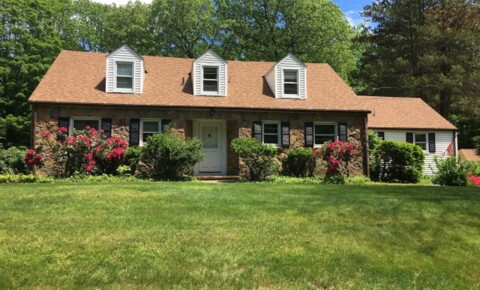 Apartments Near Wesleyan *** Remodeled Farm House*** Academic Rental House *** Unfurnished available June 1, 2021 - Not sooner for Wesleyan University Students in Middletown, CT