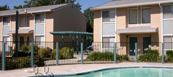 **2 BR/1.5 Bath Townhouse !!MUST SEE!!Close to UC Davis for 2018-19 School Year