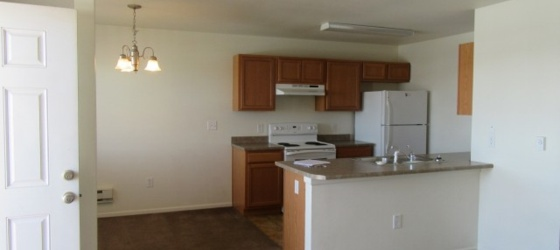 3 Bedroom, 2 Baths + washer/dryer - 4-plex