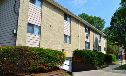 Apartments Near Edgewood 401 Chamberlain Ave for Edgewood College Students in Madison, WI