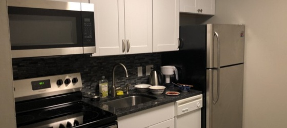 Subleasing Apartment (5 minutes from Campus! Available to start lease from 5.7 to 7.31