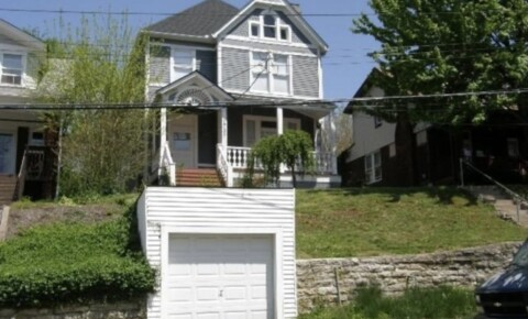 Sublets Near University of Cincinnati Bedroom available in 5 bedroom 2 bathroom house for University of Cincinnati Students in Cincinnati, OH