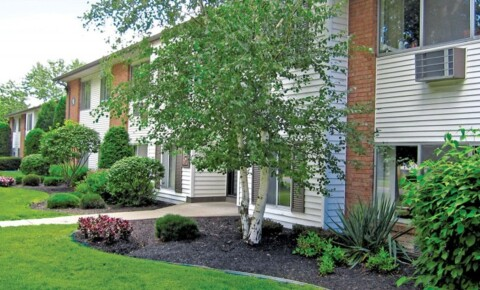 Sublets Near Fisher Rustic Village 4 month sublease for Saint John Fisher College Students in Rochester, NY